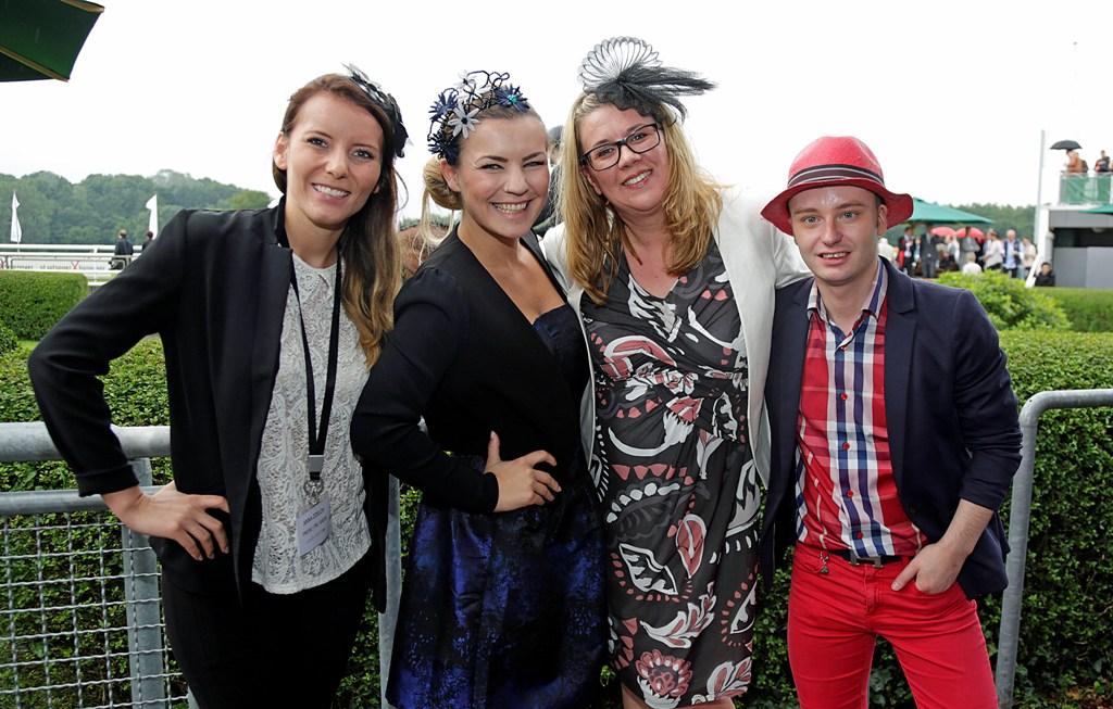 Claudia Schulz PR Team mit Zussa Facinators