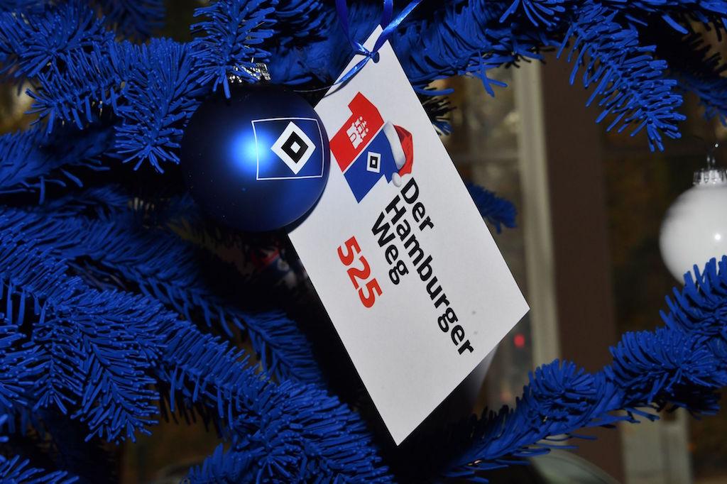 Auto Wichert und Hamburger Weg Weihnachtsbaumaktion