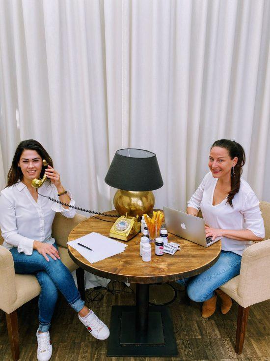 Heilpraktikerinnen Delia Donat und Katharina Stuhr